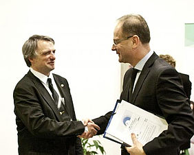 Zoltán Horváth (EIT Digital Budapest's Director) and Tibor Navracsics (Commissioner for Education, Culture, Youth and Sport)